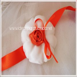 Porta alianzas cojín para boda Orange