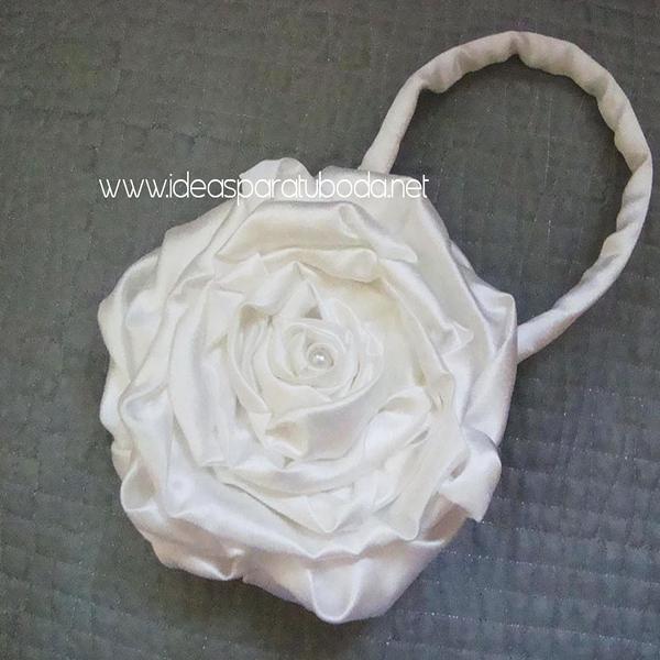 ramo bolso para novias modelo flor