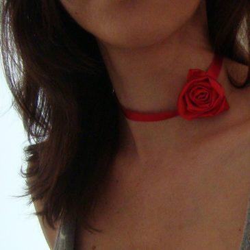 gargantilla flor boda modelo rojo