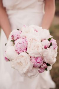 ramo de flores peonias