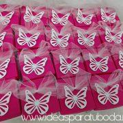 invitación comunión modelo caja mariposa fucsia