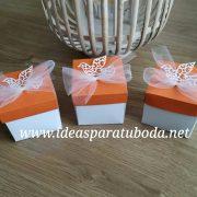 Invitación comunión caja naranja happy