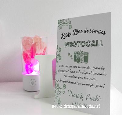 cartel photocall boda cámara flores