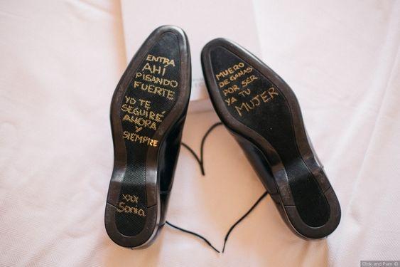 zapato novio con nota de amor